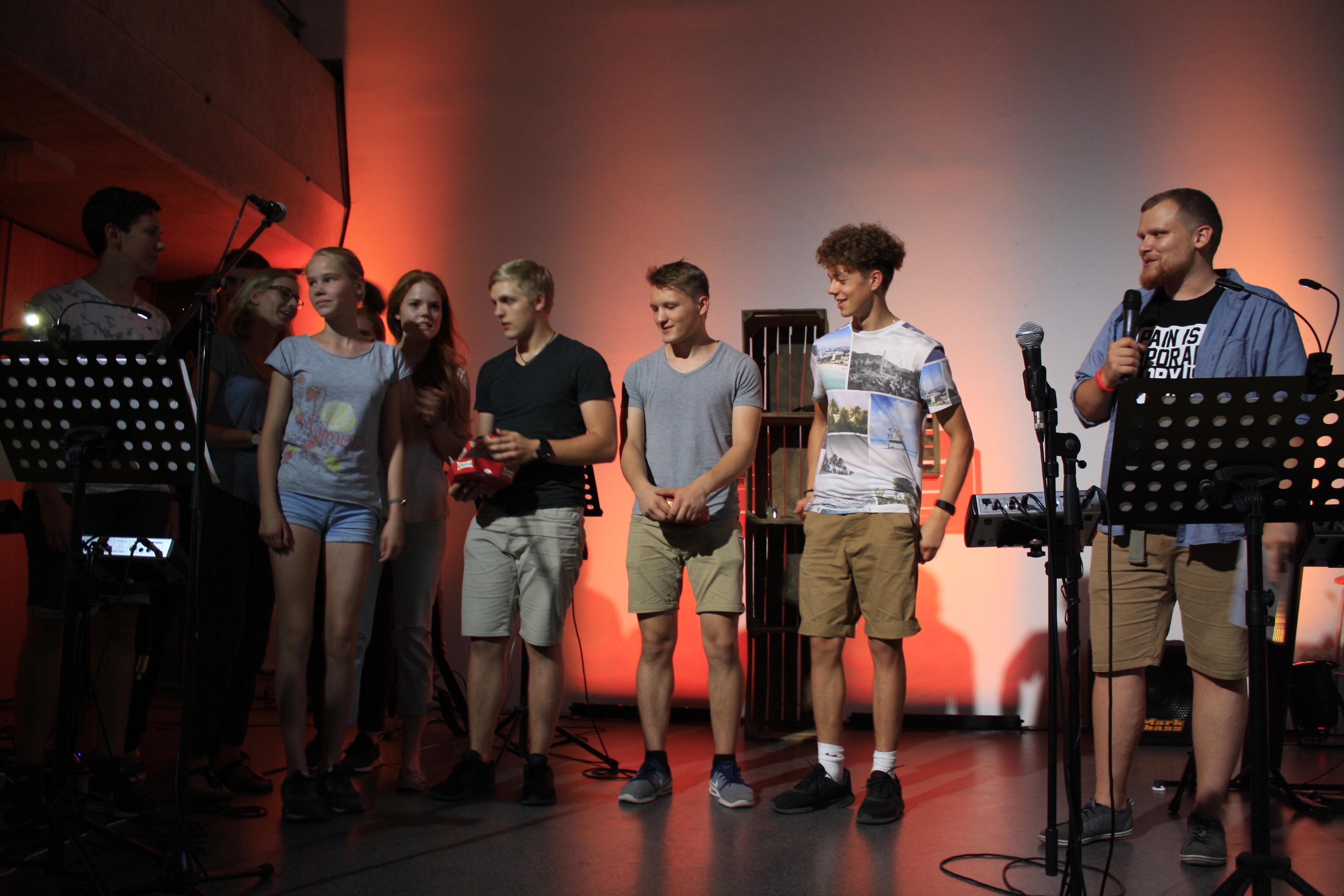 freie evangelische gemeinde frankfurt jugend gottesdienst inflame. Black Bedroom Furniture Sets. Home Design Ideas